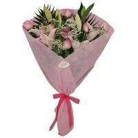 Ανθοδέσμη με ροζ οριεντάλ και ροζ τριαντάφυλλα
