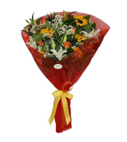 Ανθοδέσμη με λευκά οριεντάλ, πορτοκαλί τριαντάφυλλα και ηλιοτρόπια