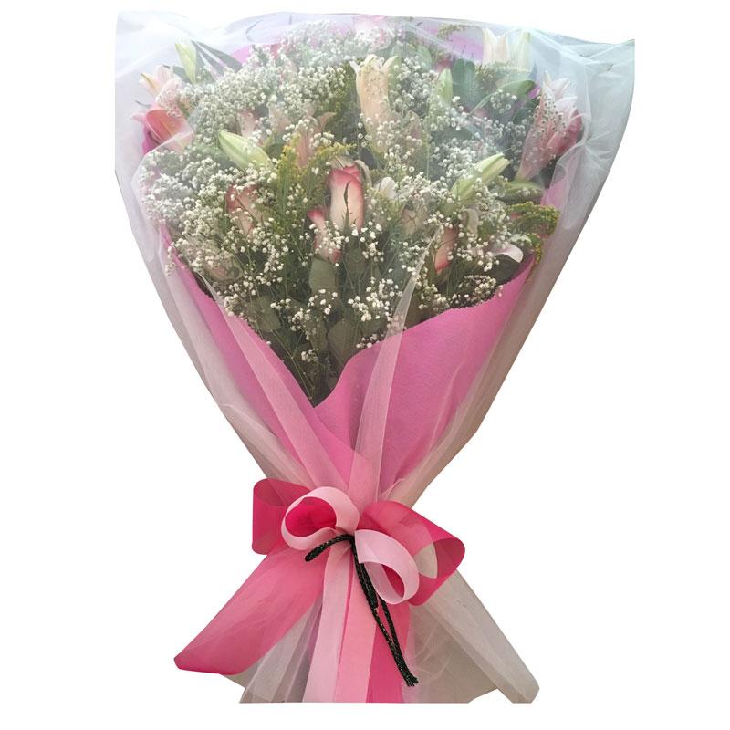 Ανθοδέσμη οριεντάλ, τριαντάφυλλα και σολιντάστερ